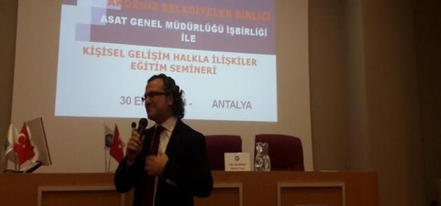 30,10,2014 tarihinde Akdeniz belediyeler birliği ve Asat işbirliği ile personel eğitimi gerçekleşti. Sıtkı Aslanhan'ın verdiği seminer büyük bir beğeniyle izlendi…