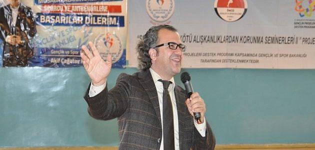 Öncü Gençlik Spor Kulübü, Eğitimci Yazar Sıtkı Aslanhan'la Bitlis'li ahlak ve maneviyat elçilerine ulaşarak hedefe kilitlendiler. Gençlik Spor Merkezi Kapalı Spor Salonu'nda gerçekleşen semineri çok sayıda imam hatipli öğrenci katılırken […]
