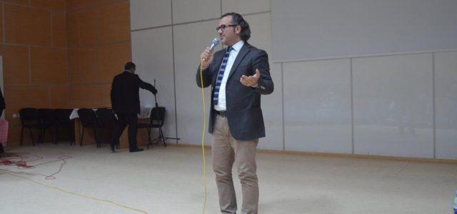 Göle Belediye Başkanı Akın İsmailoğu'nun konuğu olarak Göle'ye gelen Kişisel Gelişim Uzmanı Yazar Sıtkı Aslanhan; biri öğrencilere, diğeri ailelere olmak üzere iki seminer verdi. YİBO Konferans Salonun da düzenlenen semire […]
