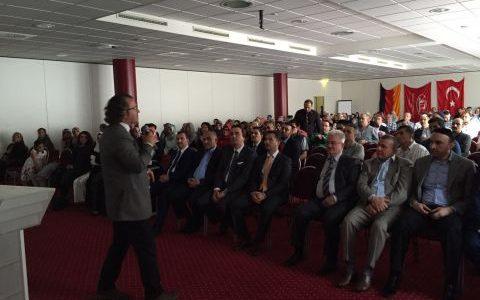 """DİTİB Ditzingen Ulu cami tarafından tertiplenen""""GÜNÜMÜZ GENÇLİK PROBLEMLERİ VE BİLİNÇLİ AİLE """"Konulu Konferansına katılım yoğundu DİTİB Ditzingen Ulu cCmi tarafından tertiplenen""""GÜNÜMÜZ GENÇLİK PROBLEMLERİ VE BİLİNÇLİ AİLE"""" Konulu Konferansına katılım yoğundu. […]"""