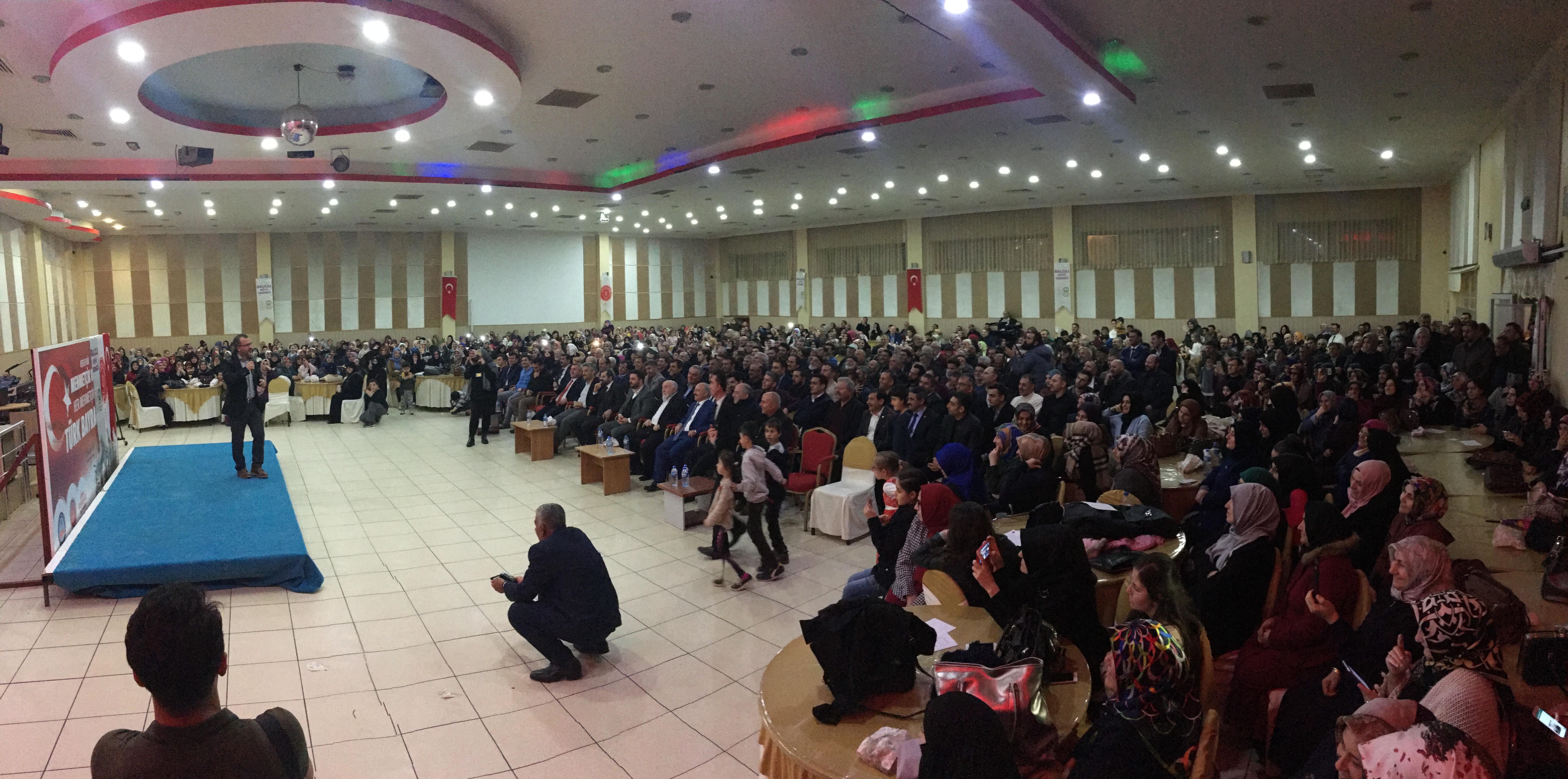 Bursa'nın Gürsu ilçesinde öğrenciler ve ailelere konferans verildi Gürsu Kaymakamlığı, Belediye Başkanlığı ve Balcılı Köyü Derneği iş birliğiyle Belediye Düğün Salonu'nda, öğrenciler için düzenlenen konferans ilgi gördü. Kişisel gelişim uzmanı […]
