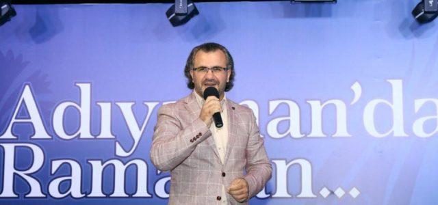 Adıyaman Belediyesi tarafından Ramazan ayı dolayısıyla düzenlenen etkinlikler çerçevesinde Adıyamanlılarla buluşan Eğitimci Yazar Sıtkı Aslanhan, 'Bilinçli Aile, Duyarlı Gençlik' konulu konferans verdi. 'Hısnı Mansur'da Ramazan Akşamları' etkinlikleri kapsamında Adıyamanlılarla buluşan […]
