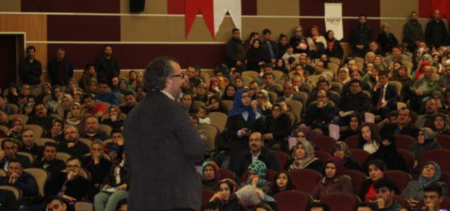 Program genç İstiklal Kitapevi ve Başarı Kolejinin katkılarıyla yapıldı. Yapılan programa Karaman Memur-Sen ve Eğitim Bir-Sen Şube Başkanı Yunus Özdemir ve çok sayıda davetli katıldı. Anne babalar çocuk yetiştirmedeki yol […]